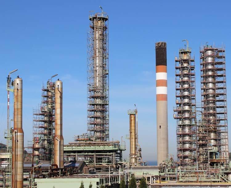 Plataformas de mantenimiento de chimeneas para Repsol